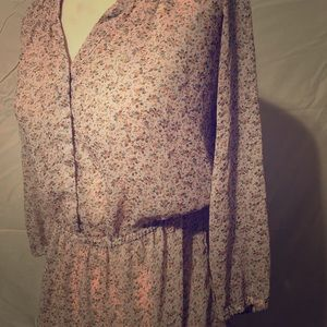 Semi sheer floral tunic🌸HIPPIE CHIC🌼